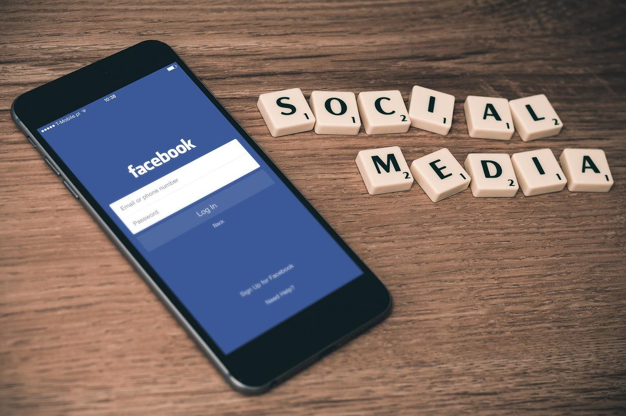 Czy warto być i reklamować się w social mediach? Agencje interaktywne facebook – skuteczna kampania reklamowa
